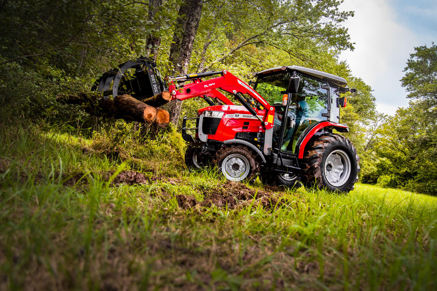 MF 2800 M Series Compact Tractors | 48.8-60.3 HP