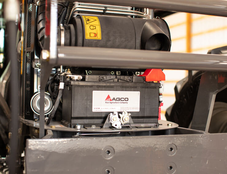 AGCO POWER 4-CYLINDER 4.4 L ENGINE